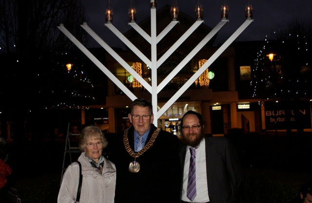 Town Chanukah lighting 2014 1